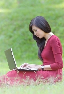 Benefits of Synchronous and Asynchronous e-Learning