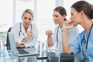 Online Training For The Healthcare Sector: 4 Benefits And 5 Tips For eLearning Professionals