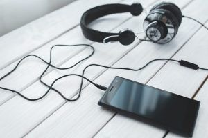 Image for 3 Best Investment Podcasts For Entrepreneurs