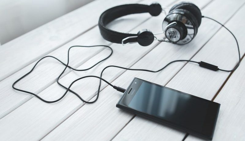 3 Best Investment Podcasts For Entrepreneurs
