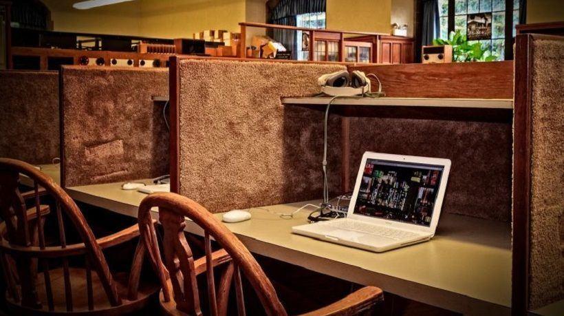 Can Socioeconomic Status Impact Online Learning