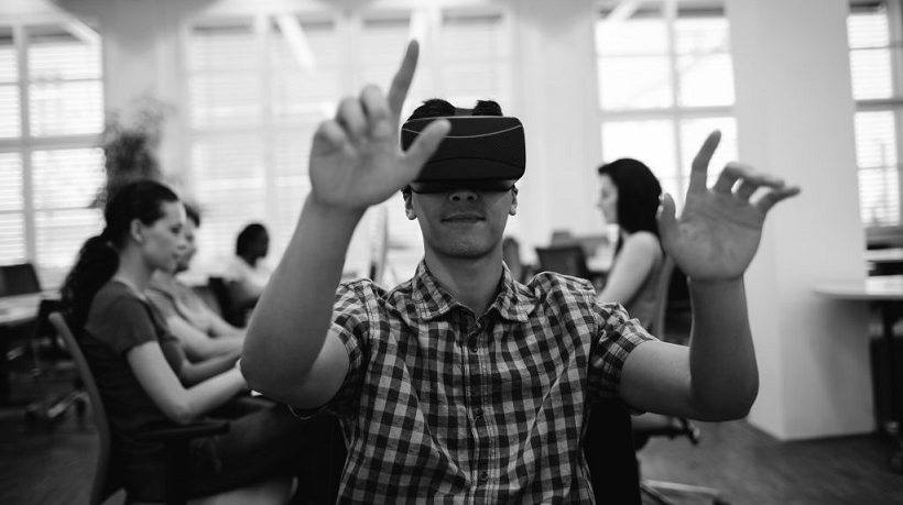 The 3 Keys To Introduce Virtual Reality In Your eLearning Courses