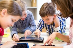 10 Important Educational Mobile App Features That Boost Learning Process