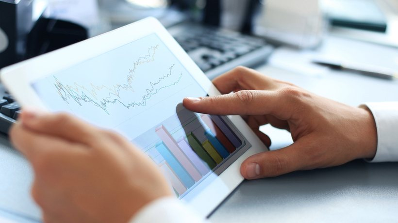 Data Analytics In eLearning: How To Use Them And Answer Your Questions