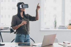How 4 Industries Are Using Virtual Reality To Train Employees