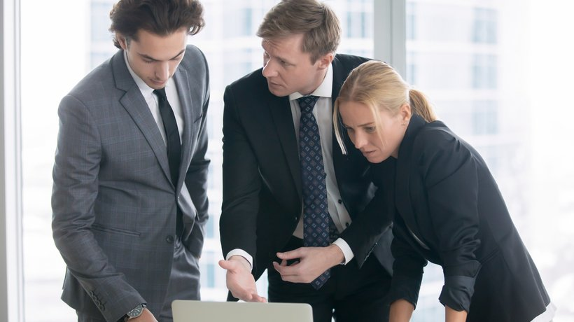 7 Tips To Overcome Challenges That Lead To Performance Gaps In Your Organization
