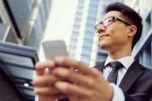 4 Ways Corporate Employees Using Mobile Learning Are Benefited