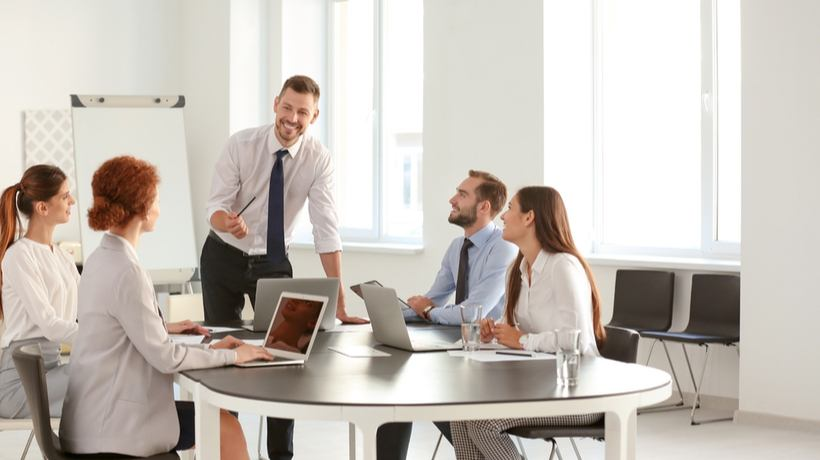 7 Tips To Choose The Right Employee Onboarding Software For Your Organization