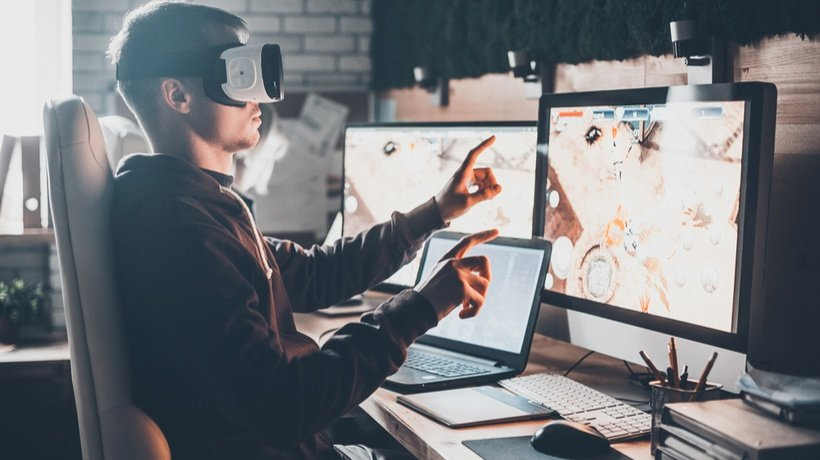 5 Benefits Of Using Augmented And Virtual Reality Technologies In eLearning