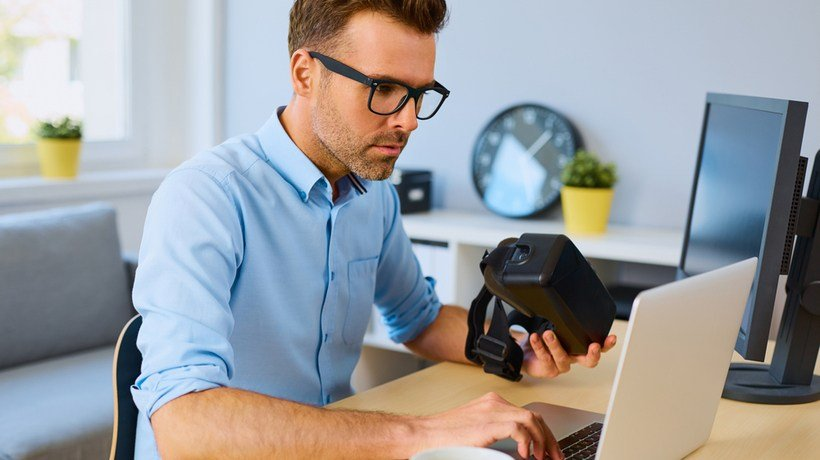 Integrating AR/VR Into eLearning Courses: 5 Top Pitfalls To Avoid