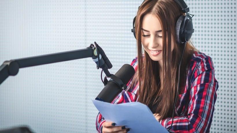 Bisnis Tanpa Modal dari Rumah dengan Menjadi Voice Over