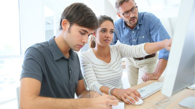 How To Use Blended Learning Solutions To Boost Employee Performance 1